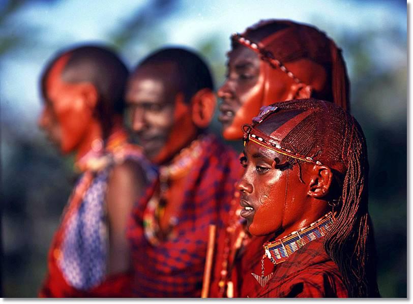 Las mujeres musai revelan su pasión por los ornamentos