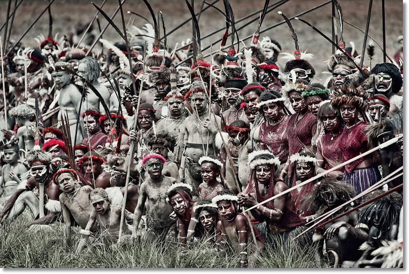Muchas de estas tribus de esta zona del mundo han practicado el canibalismo, en la mayoría de las veces como parte de ritos religiosos