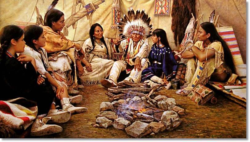 Mujeres y pequeños navajos de Arizona junto a su residencia de leños.