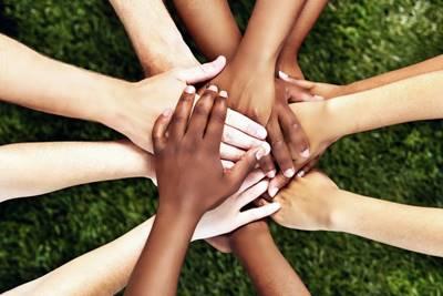 La diversidad humana, se refiere a los diferentes tipos raciales que se presentan distribuidos en prácticamente la totalidad de la superficie habitable del planeta