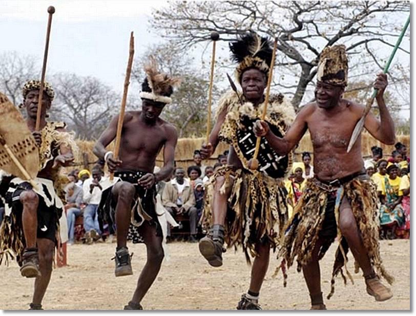 Hace unos 3 siglos que los bembas, antes pueblo guerrero, abandonaron el Congo para instalarse en la presente Zambia - etnias.net