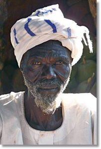 Las facciones árabes de los baggaras acusan la mezcla con los esclavos negros - etnias.net