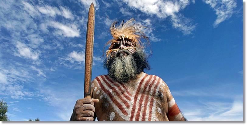 Los indígenas de Australia creen en sieres mitológicos relacionados con el medio en que viven