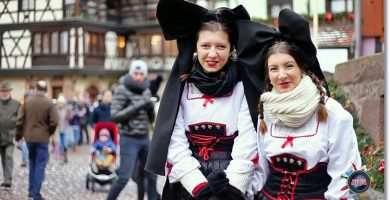 Dos alsacianas con traje típico de Alsacia. Fte. Youtube