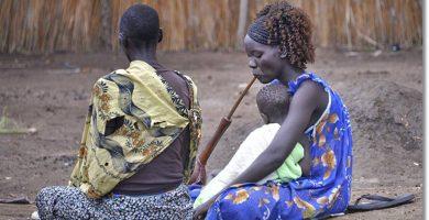Dos miembros de la etnia anuak - etnias.net