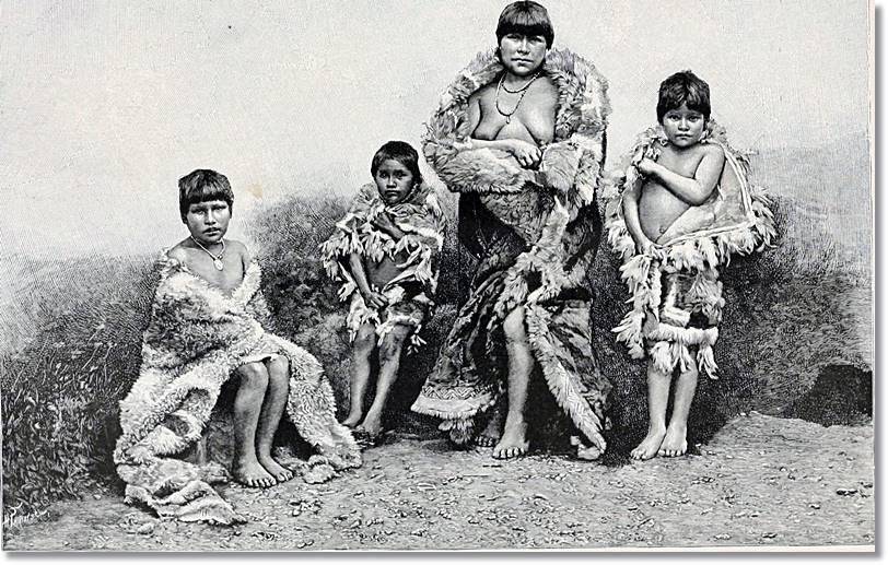 Los alacalufes llevaban poquísima ropa para resguardarse contra el tiempo y las aguas heladas - etnias.net