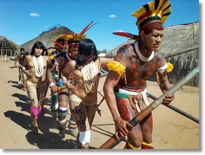 Miembros de la tribu amahuaca - etnias.net