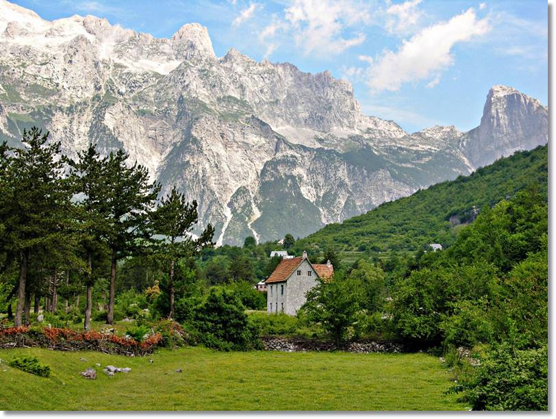 Paisaje albanés dominado por las montañas - etnias.net