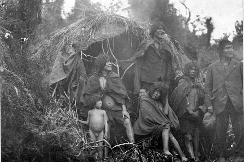Familia de la tribu alacalufe - etnias.net