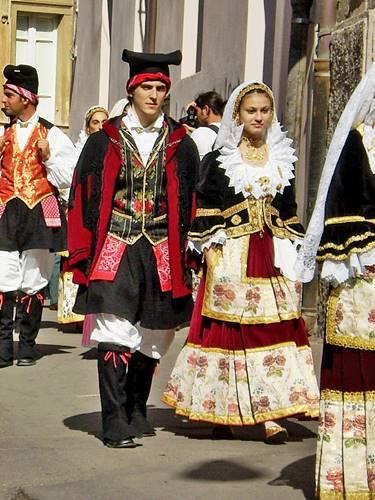 Trajes folklóricos estonios