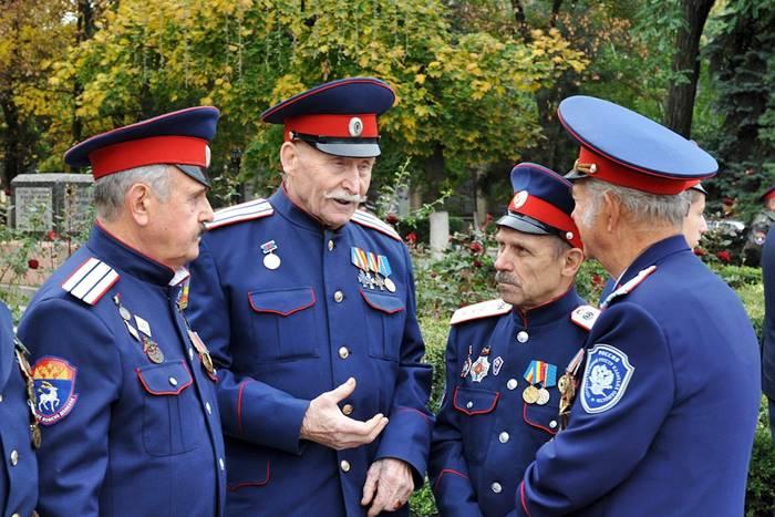 Muchos cosacos hoy en día pertenecen o han sido parte del ejército ruso